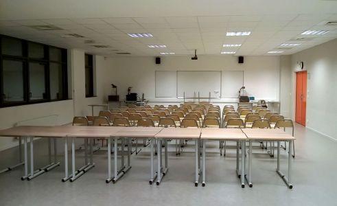 La salle A 103 prête pour les représentations